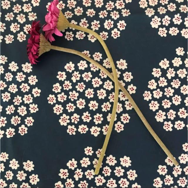 IKEA(イケア)のIKEA 造花 アートフラワー ガーベラ インテリア/住まい/日用品のインテリア小物(その他)の商品写真