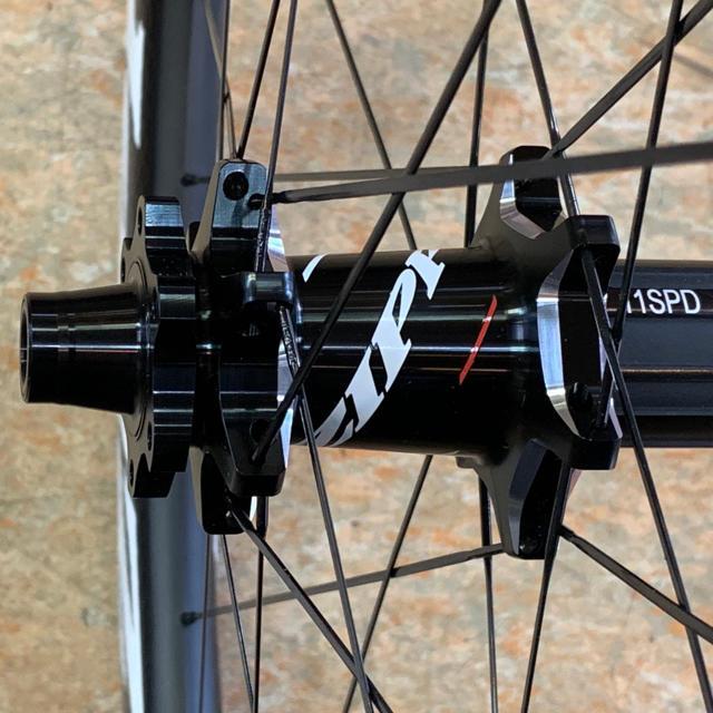 ZIPP 303 Firecrest チューブレス/クリンチャー ディスク対応 スポーツ/アウトドアの自転車(パーツ)の商品写真