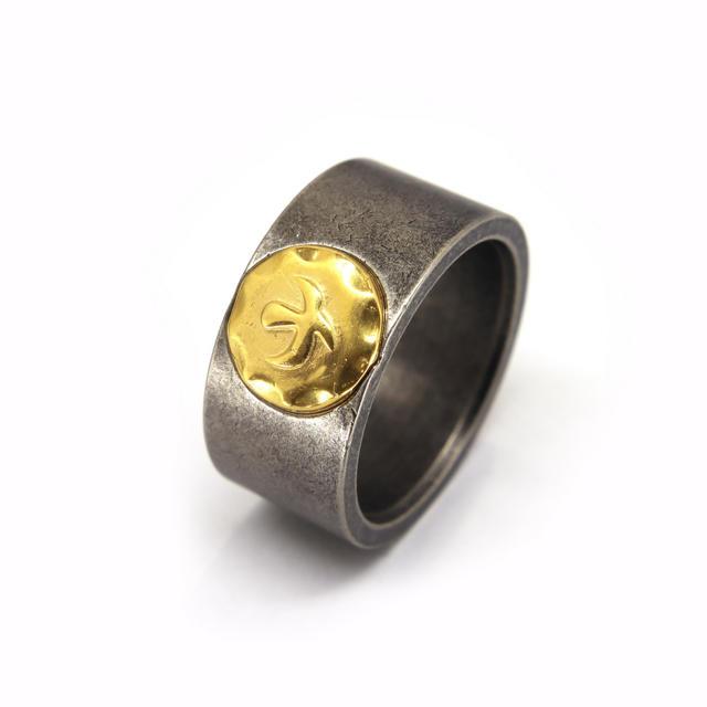 ステンレス素材の平打ちイーグルリング指輪 メンズのアクセサリー(リング(指輪))の商品写真