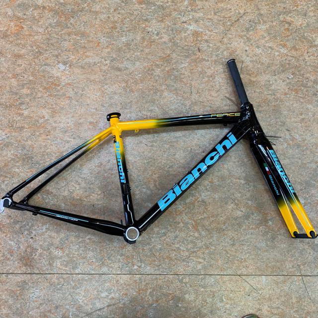 Bianchi(ビアンキ)のビアンキ フェニーチェプロ アルミフレーム 47サイズ(軽量スカンジウムアルミ) スポーツ/アウトドアの自転車(自転車本体)の商品写真