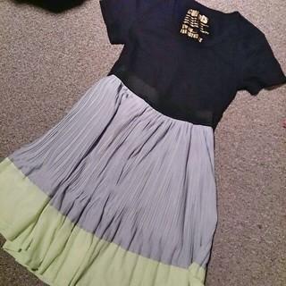 ジーユー(GU)のコーデ売り⑤(ひざ丈スカート)