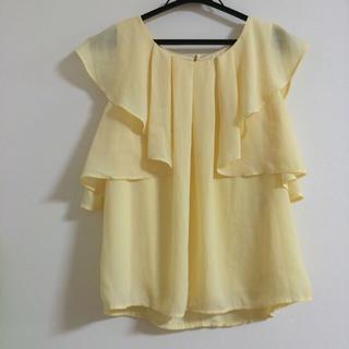 シマムラ(しまむら)の美品♡フリルシフォントップス(シャツ/ブラウス(半袖/袖なし))