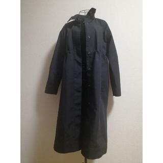 ユニクロ(UNIQLO)のユニクロ ブロックテックコート ブラック 黒 ナイロン トレンチ スプリング(トレンチコート)