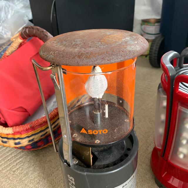 新富士バーナー(シンフジパートナー)のガスランタン ST-233(新品ホヤ1つ付) スポーツ/アウトドアのアウトドア(ライト/ランタン)の商品写真