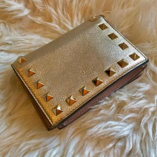 ヴァレンティノガラヴァーニ(valentino garavani)のVALENTINO GARAVANI 二つ折り財布(財布)