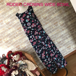 ロデオクラウンズワイドボウル(RODEO CROWNS WIDE BOWL)のRCWB 花柄オールインワン 【希少品】(オールインワン)