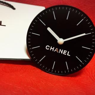シャネル(CHANEL)の壁掛けも出来る卓上置き時計●CHANELブラック(置時計)
