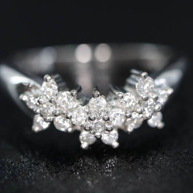 Pt900 フラワー デザイン ダイヤモンド リング 花 桜 レディースのアクセサリー(リング(指輪))の商品写真