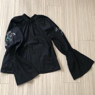 アッシュペーフランス(H.P.FRANCE)のKIWANDA 刺繍ブラウス(シャツ/ブラウス(長袖/七分))