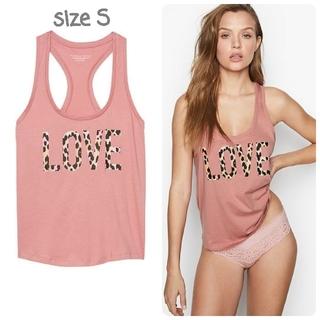 ヴィクトリアズシークレット(Victoria's Secret)の【新品】VS スリープ タンクトップ LOVE ピンク S(タンクトップ)