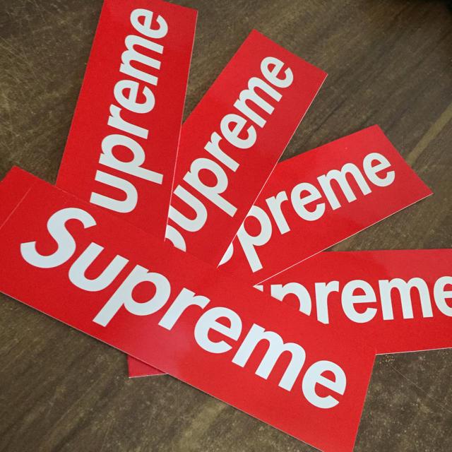 Supreme(シュプリーム)のsupreme ボックスロゴ ステッカー 5枚セット 自動車/バイクのバイク(ステッカー)の商品写真