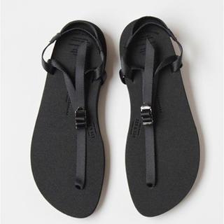 ヤエカ(YAECA)のbeautiful shoes ベアフットサンダル 新品 23.0〜23.5㎝(サンダル)