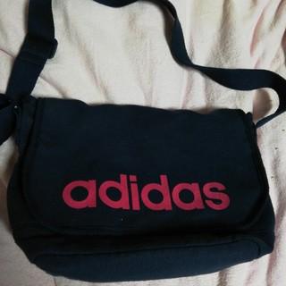 アディダス(adidas)のアディダスポシェット(ボディバッグ/ウエストポーチ)