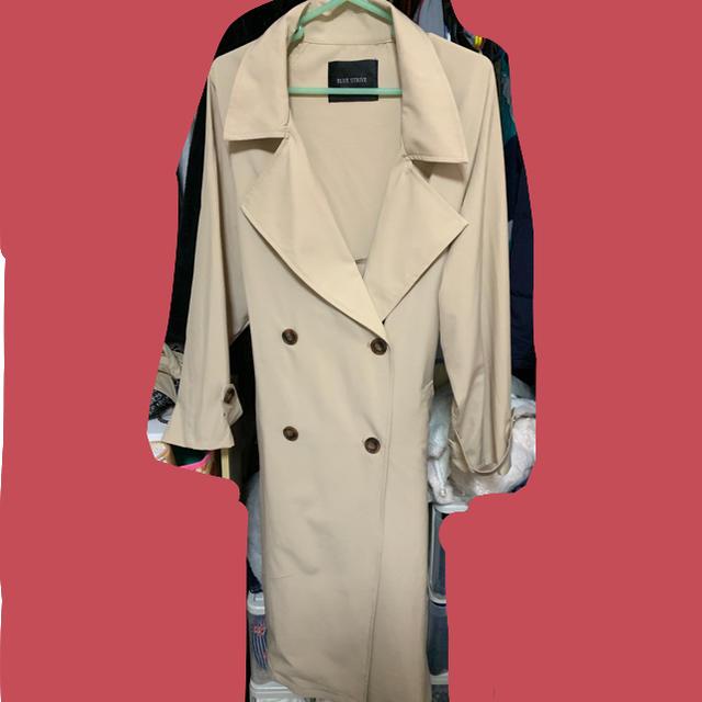 しまむら(シマムラ)のバックプリーツ  トレンチコート レディースのジャケット/アウター(トレンチコート)の商品写真