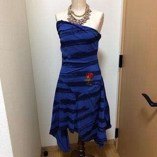 ヴィヴィアンウエストウッド(Vivienne Westwood)のベアトップ ボーダー 薔薇刺繍ワンピ(ロングワンピース/マキシワンピース)