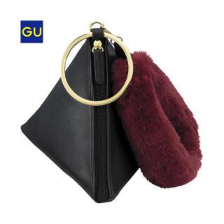 ジーユー(GU)のGU トライアングルバッグ ブラック(ハンドバッグ)