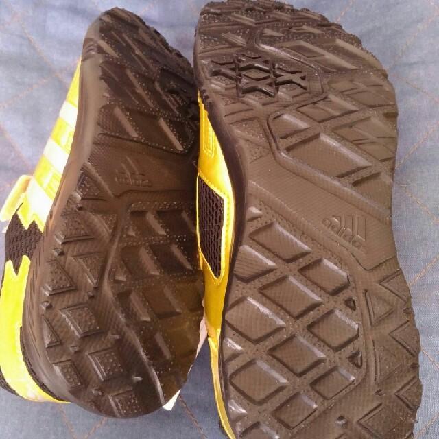 adidas(アディダス)のadidas⭐シューズ⭐新品22.0 キッズ/ベビー/マタニティのキッズ靴/シューズ (15cm~)(スニーカー)の商品写真