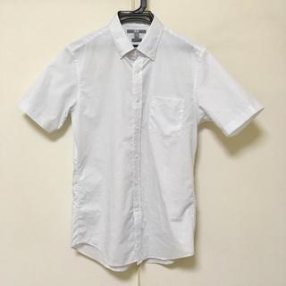 ユニクロ(UNIQLO)のUNIQLO ユニクロ 半袖ボタンダウンシャツ スリムフィット M(シャツ)
