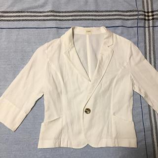 ティアンエクート(TIENS ecoute)のホワイト 爽やか七分袖ジャケット(テーラードジャケット)