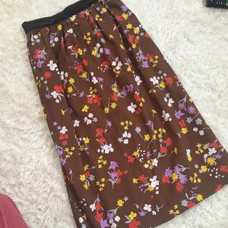 バビロン(BABYLONE)の美品 花柄スカート(ひざ丈スカート)