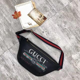 c7c338fcba15 グッチ(Gucci)のグッチ プリントレザーバック ウエストポーチ 男女兼用 ブラック 2Way(