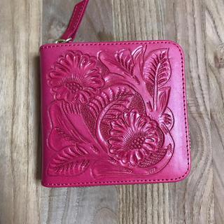 グレースコンチネンタル(GRACE CONTINENTAL)のcarving trives 新色ピンク ミニ財布 グレースコンチネンタル(財布)