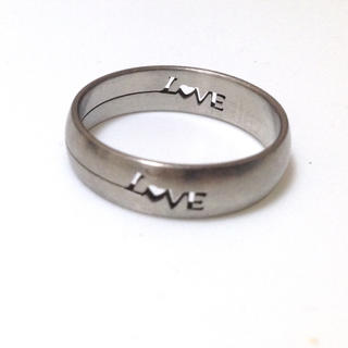同時購入で350円 ステンレス指輪 love(リング(指輪))