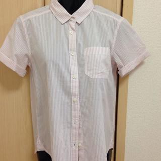 ジーユー(GU)の新品ストライプシャツのピンク(シャツ/ブラウス(半袖/袖なし))