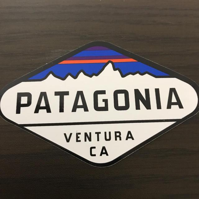 patagonia(パタゴニア)の【縦5.7cm横8.8cm】patagonia パタゴニア   公式ステッカー 自動車/バイクのバイク(ステッカー)の商品写真