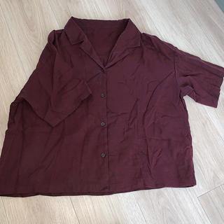 ジーユー(GU)のブラウンシャツ(シャツ/ブラウス(半袖/袖なし))