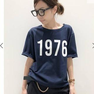 アパルトモンドゥーズィエムクラス(L'Appartement DEUXIEME CLASSE)のAMERICANA 1976 Tシャツ《アメリカーナ 1976 ティシャツ》(Tシャツ(半袖/袖なし))