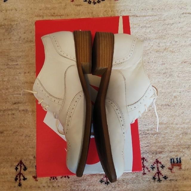 BARCLAY(バークレー)の送料無料★BARCLAY★革靴★ウイングチップ★白★中古美品 レディースの靴/シューズ(ローファー/革靴)の商品写真