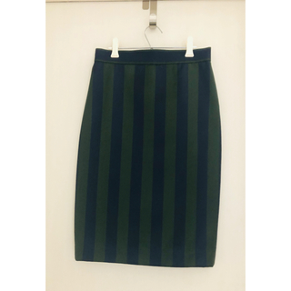 ニジュウサンク(23区)の23区 良素材 紺×グリーン ストライプスカート 中古 (ひざ丈スカート)
