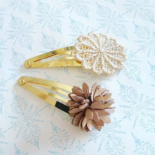 Bonpoint - gold flower × suede flower ✨パッチンピン セット
