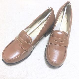 フィント(F i.n.t)のキャメルローファー(ローファー/革靴)