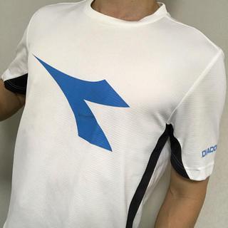 ディアドラ(DIADORA)の複数購入値引きあり!DIADORA Tシャツ 白 メンズM テニスやランニングに(ウェア)