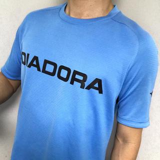 ディアドラ(DIADORA)の複数購入値引きあり!DIADORA Tシャツ 青 メンズM テニスやランニングに(ウェア)