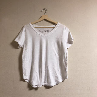 ホリデイ(holiday)のshelly island hawaii VネックTシャツ(Tシャツ(半袖/袖なし))