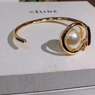 セリーヌ(celine)のcelineこれからの季節に☆セリーヌ バングル(ブレスレット/バングル)