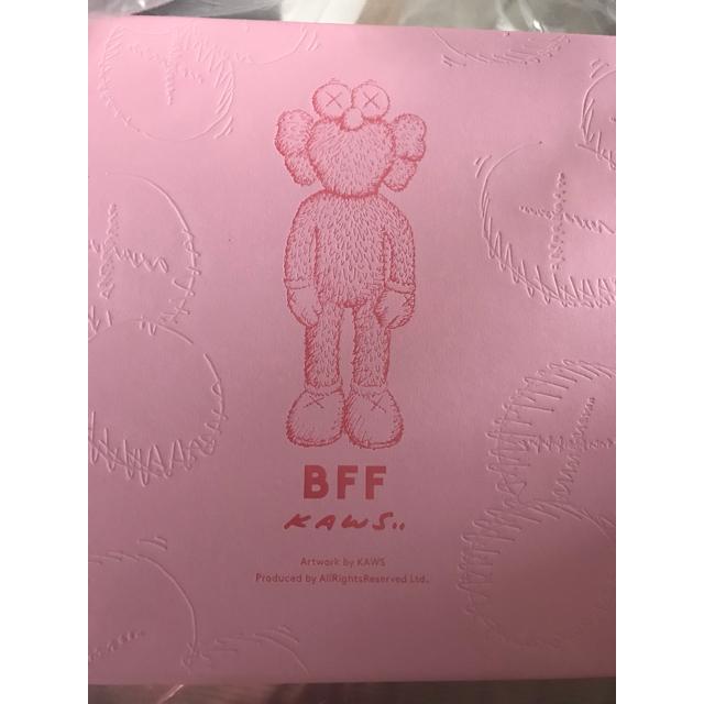 MEDICOM TOY(メディコムトイ)のKaws BFF Limited Plush Pink ピンク カウズ エンタメ/ホビーのおもちゃ/ぬいぐるみ(ぬいぐるみ)の商品写真