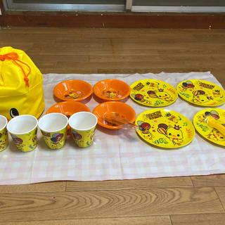 ニッシンショクヒン(日清食品)のチキンラーメン、ひよこちゃん、テーブルウェアセット(弁当用品)