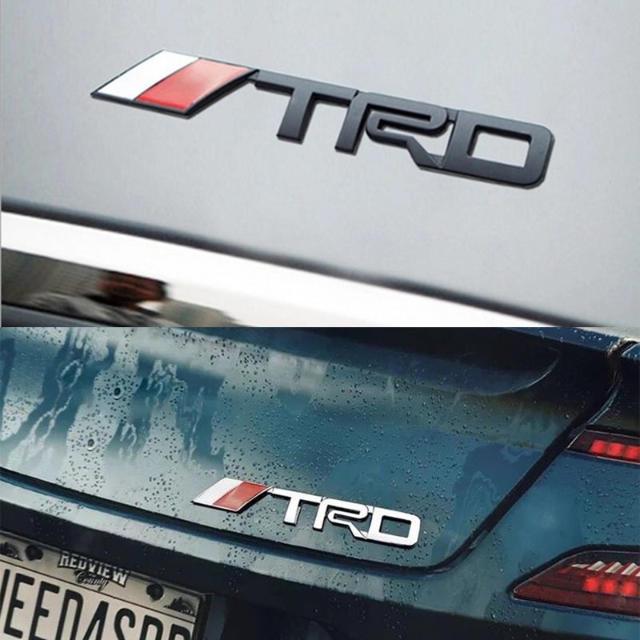 トヨタ(トヨタ)の新品TRDロゴ3D立体メタルエンブレムトヨタTOYOTA新品未使用 (シルバー) 自動車/バイクの自動車(車外アクセサリ)の商品写真
