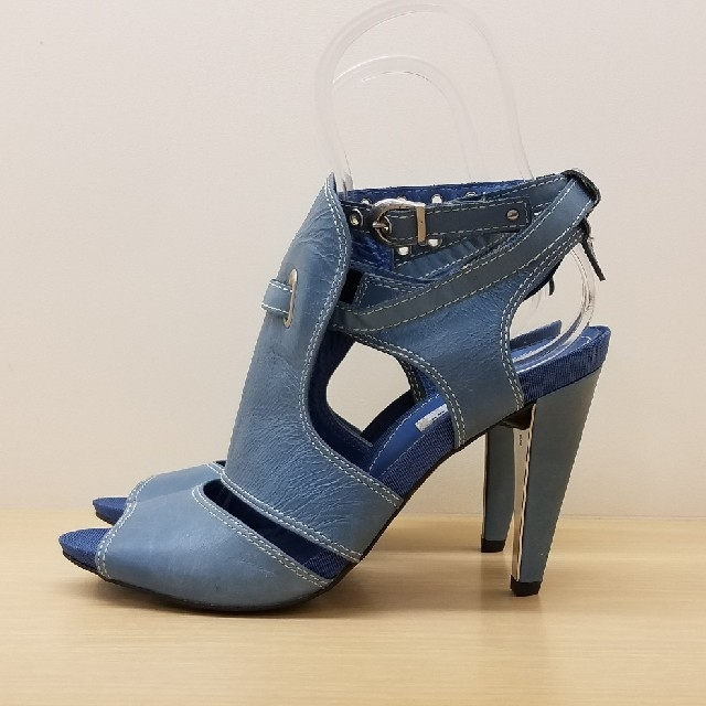 VII XII XXX(セヴントゥエルヴサーティ)の新品未使用 SEVEN TWELVE THIRTY サンダル 37 ブルー レディースの靴/シューズ(サンダル)の商品写真