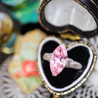 キラッキラ♡ピーチピンクの石のモダンな松の彫りの指輪♠アガット エテ お好きな方(リング(指輪))
