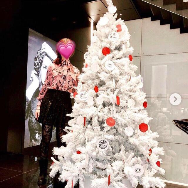 CHANEL(シャネル)の❤️シャネル❤️2018秋冬CCマーク&カメリア総柄ブラウス💕ピンクご確認用 レディースのトップス(シャツ/ブラウス(長袖/七分))の商品写真
