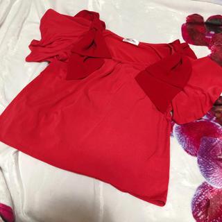 バイバイ(ByeBye)のbyebye バイバイ 肩リボントップス 赤 red リボン 夏(カットソー(半袖/袖なし))