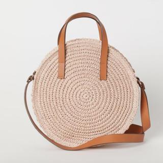 エイチアンドエム(H&M)の新品♡H&M ラウンドペーパーストローハンドバッグ かごバッグ ショルダーバッグ(かごバッグ/ストローバッグ)