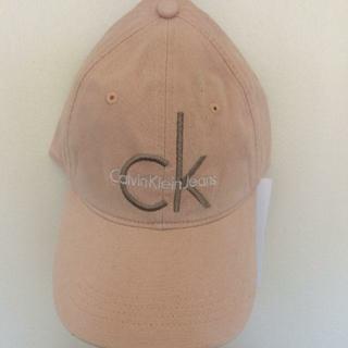 カルバンクライン(Calvin Klein)のカルバンクライン ユニセックス 帽子 ピンク(キャップ)