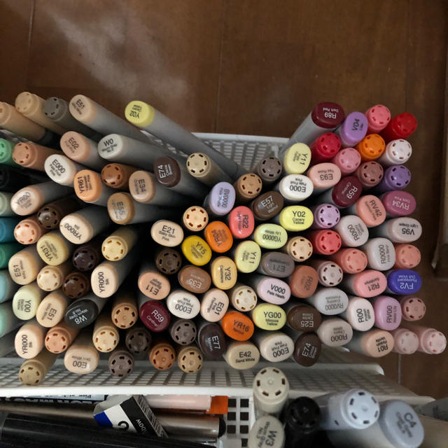 TOOLS(ツゥールズ)の[お得]コピックチャオ94本まとめ売り エンタメ/ホビーのアート用品(カラーペン/コピック)の商品写真