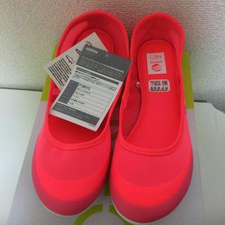 アディダス(adidas)のadidas 蛍光ピンクフラットシューズ(その他)